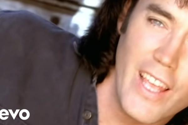 Gambar Ini Lirik Lagu dan Kunci Nada Dust On The Bottle - David Lee Murphy
